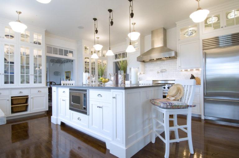 Kitchens Hyannis Port II - Lewis & Weldon Custom Kitchens