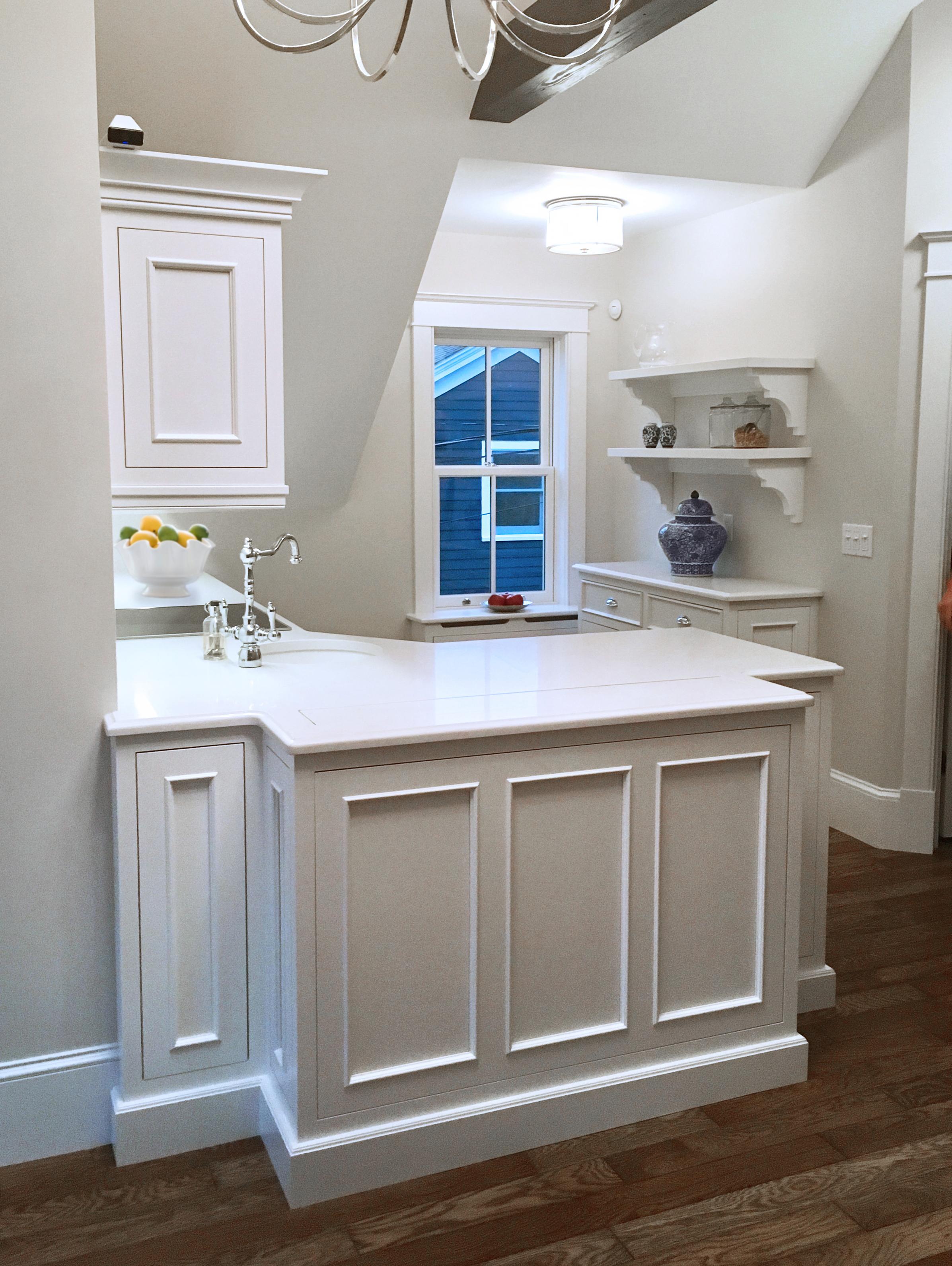 Small Space Kitchen - Lewis & Weldon Custom Kitchens